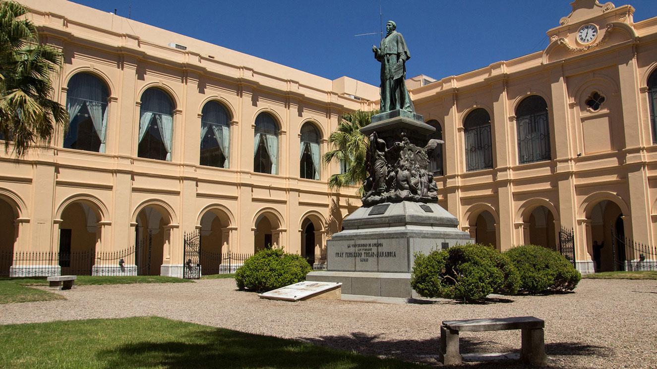 Universidad Nacional De Cordoba - EM Strasbourg