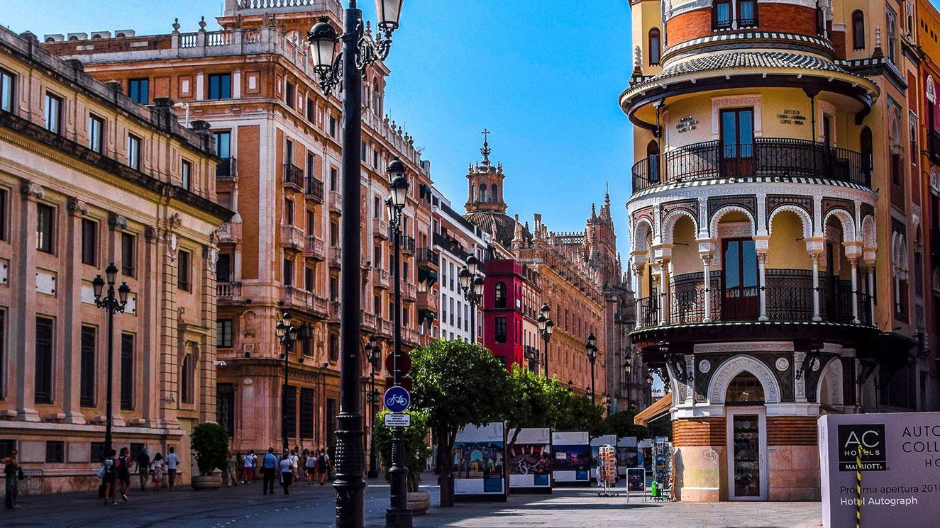 Universidad Loyola Andalucia - Sevilla - EM Strasbourg