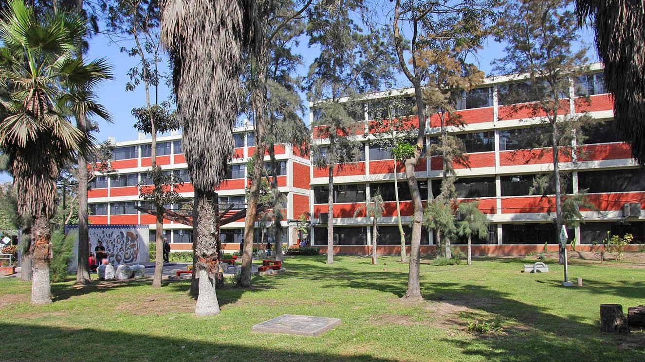 Universidad Ricardo Palma - EM Strasbourg